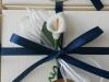 confezione con calla bianca e blu
