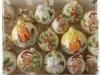 cesto con palline in ceramica