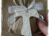 Art CB1 croce-bianca-con-fiori a rilievo cm 6,5